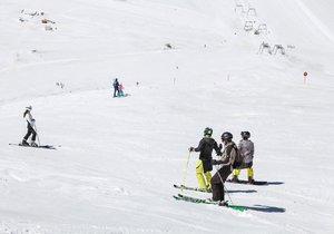Na Hintertuxu se dá lyžovat i v létě. Areál je v provozu 365 dní v roce. Čech tu ale jízdu nepřežil (ilustrační foto)
