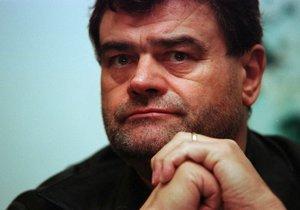 Deprese ho dovedly pravděpodobně k sebevraždě, kterou spáchal v lednu 2007.