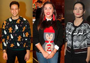 Celebrity se předvedly ve vánočních svetřících