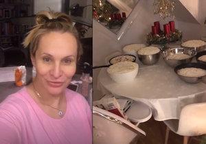 Monika Absolonová se vrhla na pečení vánoček.