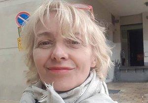 Veronika Žilková u Národního divadla v Tel-Avivu