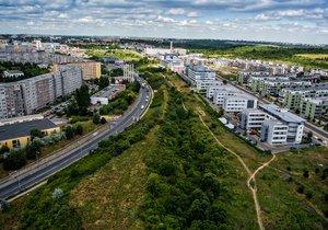 Bytová krize v Praze: Město chce postavit družstevní byty, první mají vyrůst v Praze 13