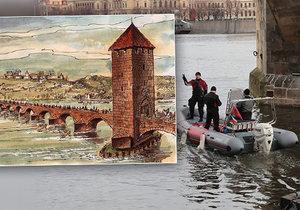 Potápěči prozkoumávají dno Vltavy, hledají fragmenty Juditina mostu.