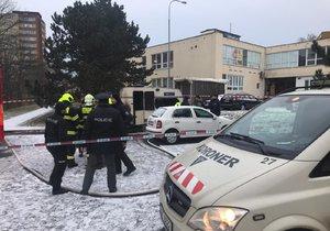 Ve Vosátkově ulici hořel karavan.