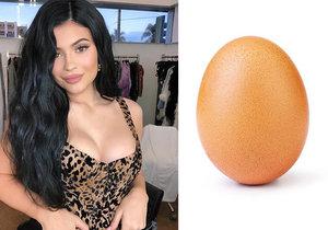 Drsné ponížení pro Kylie Jenner: O trůn ji připravilo vajíčko!
