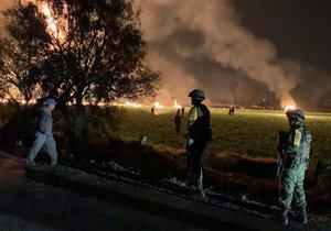 Po explozi poškozeného palivového potrubí zemřely v Mexiku desítky lidí (19. 1. 2019)