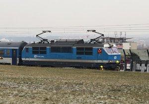 Na železnici pod Krejcárkem došlo ke střetu vlaku s chodcem.