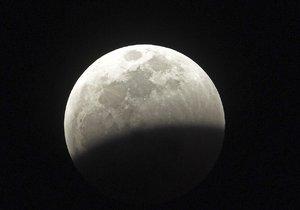 Zatmění Měsíce na Floridě (21. ledna 2019)