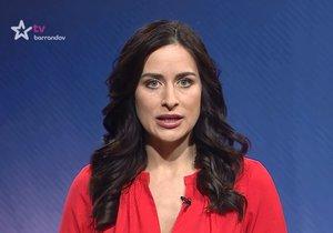 Alex Mynářová, žena hradního kancléře, při moderování pořadu TV Barrandov Naše zprávy