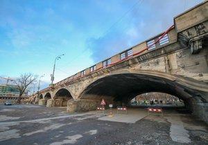Hlávkův most čeká další testovaní. Tentokrát se bude zkoumat jeho dynamika.