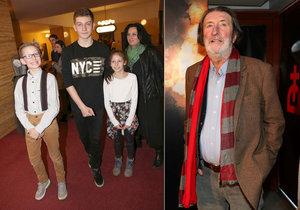 Herec Bolek Polívka přiznal, že ostatní děti se jejich nejmladším dětem smějí, že mají starého tatínka.