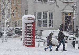 Spojené království sevřel nejsilnější mráz za poslední léta. Ve městě Bristol na jihozápadě Anglie museli zavřít více než polovinu škol (1.2.2019).