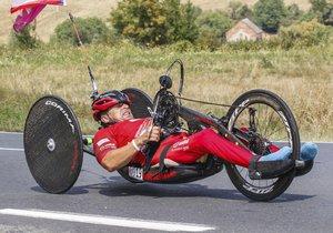 Zbyněk Švehla po úrazu na sport nezanevřel, závodí v triatlonu. Speciálně upravené kolo mu 6. února 2019 ukradli zloději.
