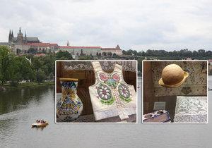 V letohrádku Kinských na Smíchově je do září k vidění výstava pojednávající o unikátním salonku Pražského hradu, který vznikl z iniciativy dcery prezidenta Masaryka. Jeho zdi byly pokryty i nejrůznějšími kusy oděvu.