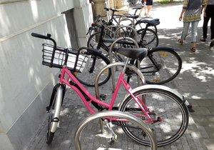 Růžová kola se vrací do Frýdku-Místku: Čtvrt hodina jízdy bude zadarmo