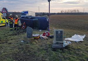 Vážná nehoda se stala v úseku , který lemují pomníčky...