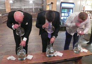Tahání vína koštýřem bylo především o silných plicích.
