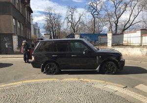 V Kamenické ulici na Letné se střílelo.