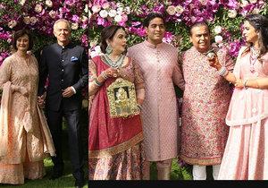 Svatba syna indického magnáta Ambaniho. Dorazily indické celebrity, Tony Blair a špičky světového byznysu a politiky.