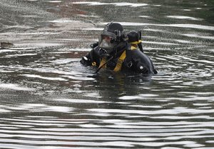 Policejní potápěč (ilustrační foto)