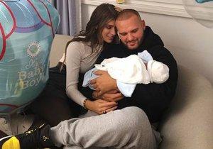 Jasmina Alagičová s Rytmusem si chovají novorozené miminko.