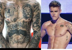 Justin Bieber se za své tělo nestydí.