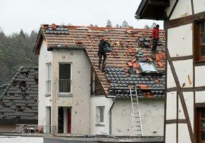 Německou obcí Roetgen na západu země se prohnalo tornádu (14. 3. 2019)