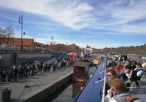 Na Den Vltavy vyšlo v Praze nádherné počasí.