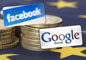 Dvě třetiny Evropanů si myslí, že Evropská unie v uplynulých pěti letech neudělala dost v oblasti regulace amerických internetových společností jako Google nebo Facebook.
