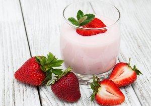 Test Blesku - jahodové jogurtové nápoje