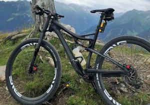 Zloděj ukradl kolo za bezmála čtvrt milionu.