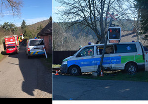 V sanitce na Příbramsku údajně zahynul senior: Vlak zasáhl přepravní prostor! Spolujezdkyni zranil bezpečnostní pás