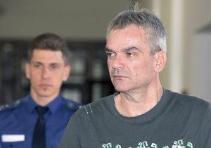Jaromír Šmídek si odsedí 28 let za vraždu 21letého muže a zneužití dítěte