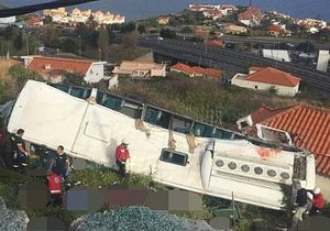 Tragédie na pohádkové Madeiře: Autobus sjel ze srázu! 28 německých turistů zemřelo