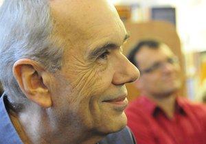Hudebník a vědec Jiří Traxler dnes zemřel.