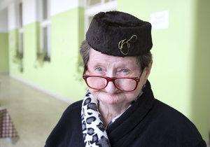 Čiperná bába z Babovřesk Bursová oslavila 90 let! Chci mladého kluka, nemám na něj peníze!