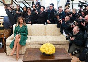 Snímek, který zvolil Bílý dům jako oficiální fotografii k 49. narozeninám první dámy. Záběr pochází z březnové návštěvy českého premiéra Andreje Babiše a jeho ženy Moniky  Bílém domě.