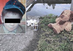 Medvídek a svíčky na místě tragédie: Ivánka (†3) našli mrtvého v korytě řeky