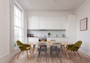 Byt v domě z roku 1860 se změnil v moderní domov v severském stylu