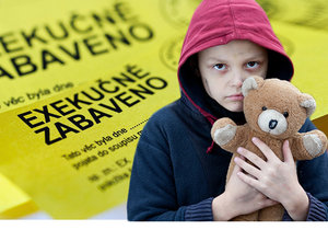 Dětské dluhy v Česku jsou alarmující, vláda se ale obává, že jejich převedení na rodiče udělá děti nezodpovědnými (ilustrační foto)