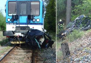 Vlak na Trutnovsku smetl osobní automobil. Řidička nepřežila