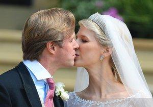 Novomanželský polibek nemohl chybět.