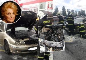 Uvězněná v plamenech! Herečce Regině Rázlové (71) začalo za jízdy hořet auto.
