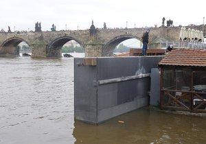 Jako první se při povodních zavírá Čertovka.