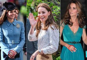 Kate má podezřele často náplasti na prstech...