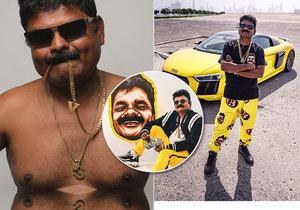 Indický komik Just Sul baví po celém světě miliony diváků. Praha se mu moc líbí. Je prý čistá.