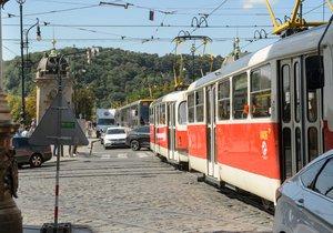 V Praze 5 začne série plánovaných oprav. Lidé by se měli připravit na výluky a omezení. (ilustrační foto)