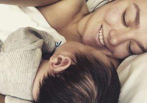 Ewa Farna se pochlubila fotkou syna Artuše.