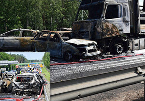 Při tragické autonehodě zahynulo 6 lidí a dalších 11 se zranilo.