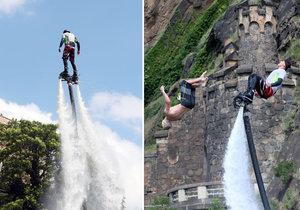 Devatenáctiletý Denis Vantuch nad Vltavou v Praze nacvičoval skok do řeky z flyboardu.